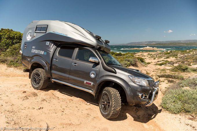 Toyota Hilux als Wohnmobil für extremes Fahren