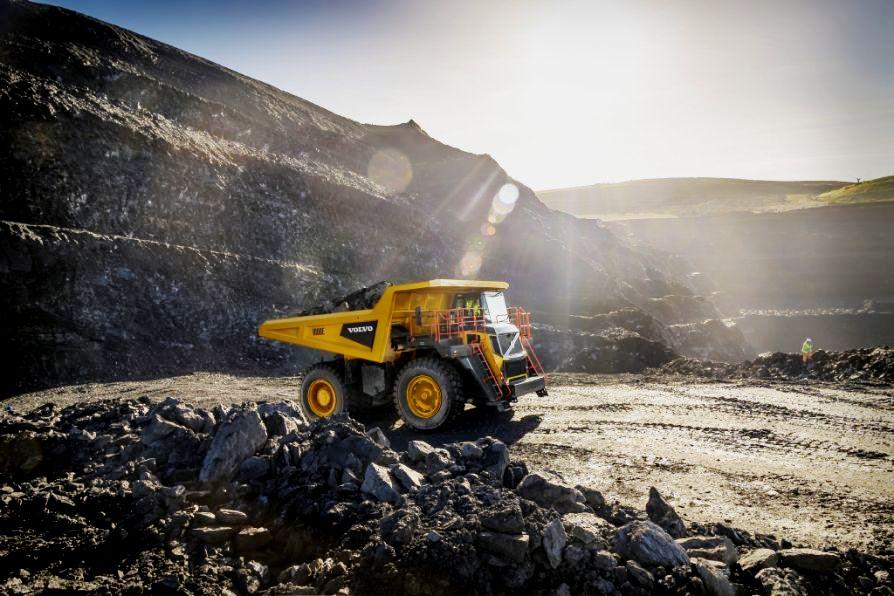 Volvo startet die Produktion von Dumpern mit Starrahmen
