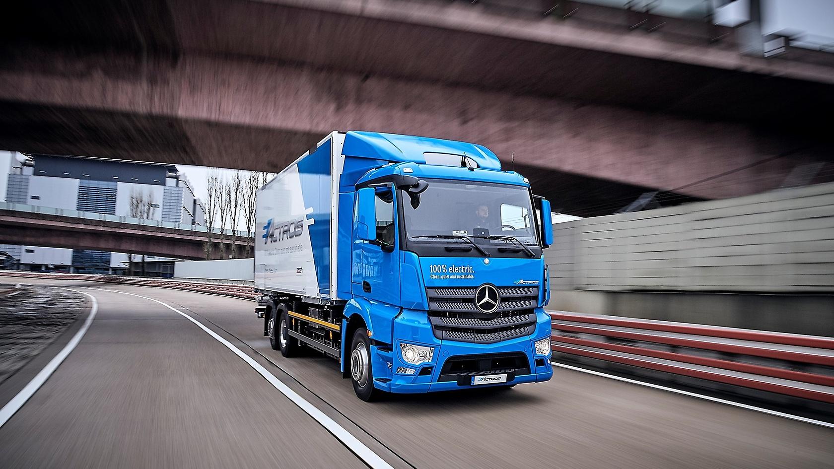 Mercedes-Benz eActros kommen auf Straßen