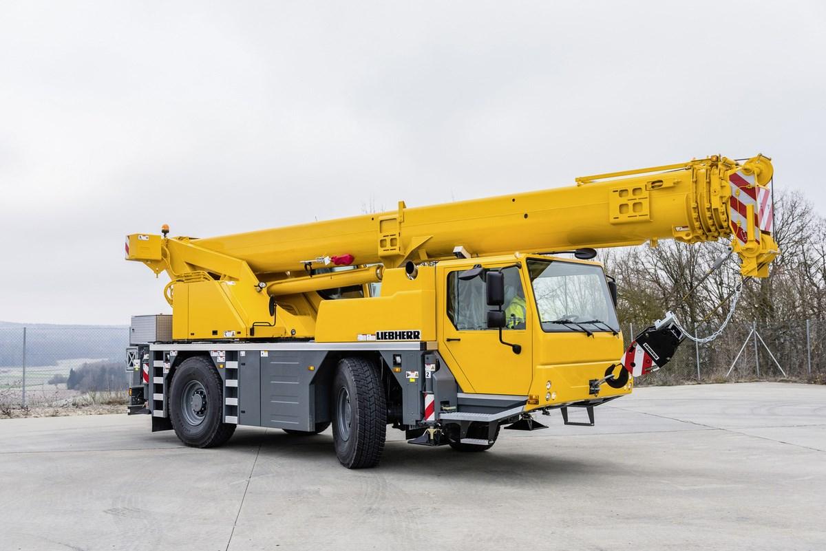 Crowland Cranes verdoppelt auf Liebherr LTM 1040-2.1